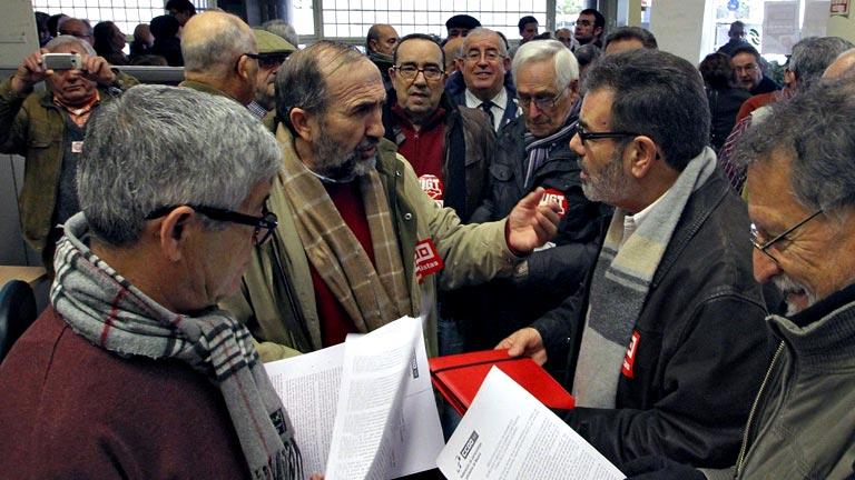 Ocupan Una Oficina De La Seguridad Social En Madrid Por La