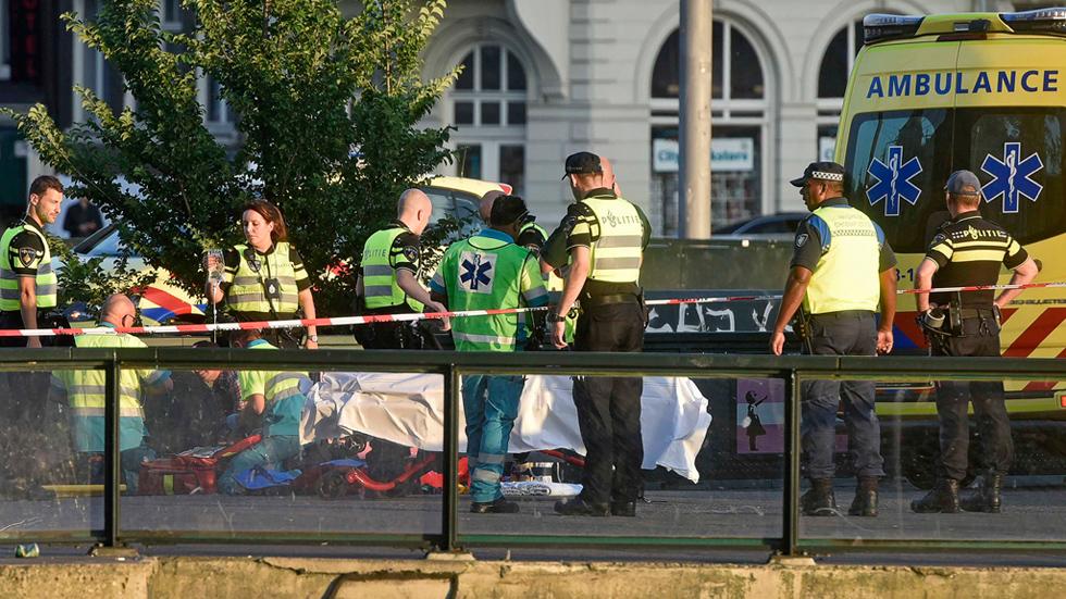 Un vehículo atropella a ocho peatones frente a la Estación Central de Ámsterdam