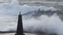 Ir al VideoVeinte provincias españolas están en alerta por vientos, lluvia o mala mar
