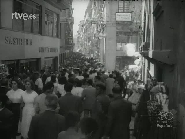 VEINTICINCO AÑOS DE PAZ : VIDA ESPAÑOLA