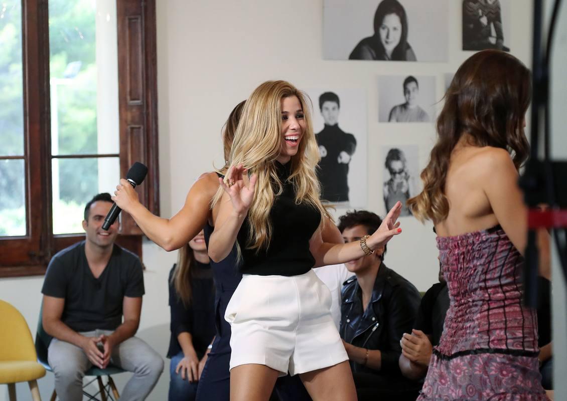 Verónica y Natalia bailan en el reecuentro del OT
