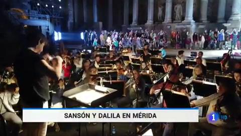 Ir al VideoUna versión inclusiva de la ópera Sansón y Dalila inaugura el festial de teatro clásico de Mérida