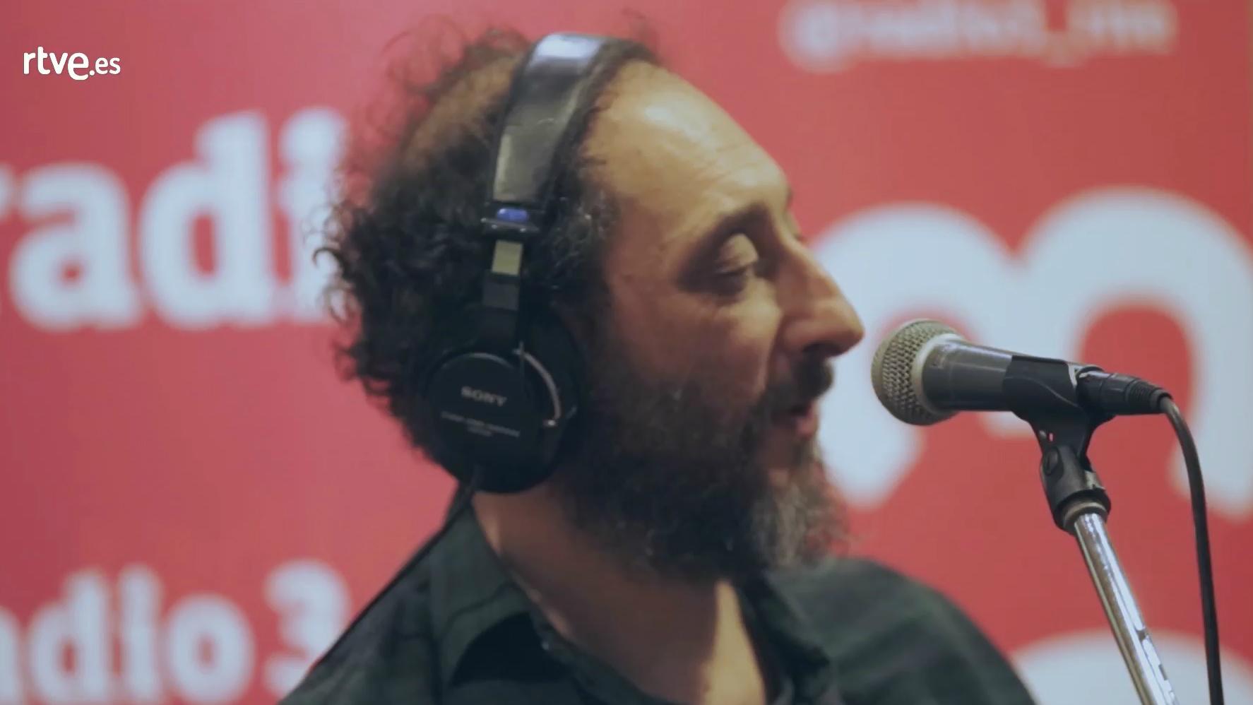 VÍDEO: Los Planetas estrenan su nuevo disco en directo
