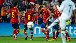 Villa reaparece con un gol de penalti (4-0)