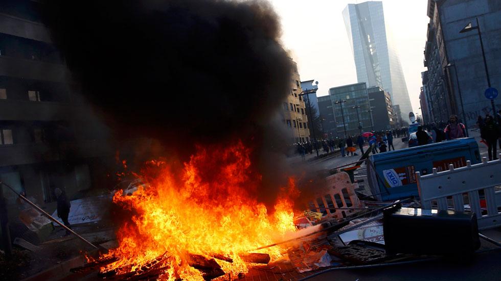 Violentos incidentes en las protestas convocadas por la nueva sede del BCE en Fráncfort