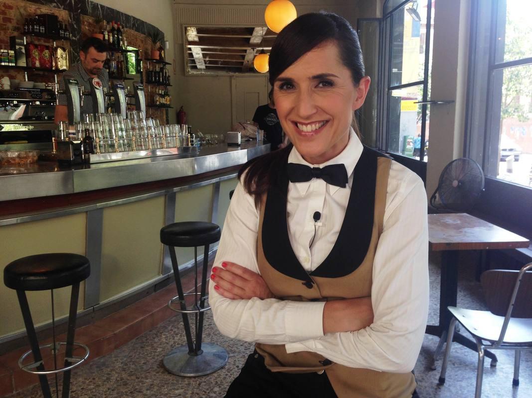Virginia Díaz, camarera de pajarita