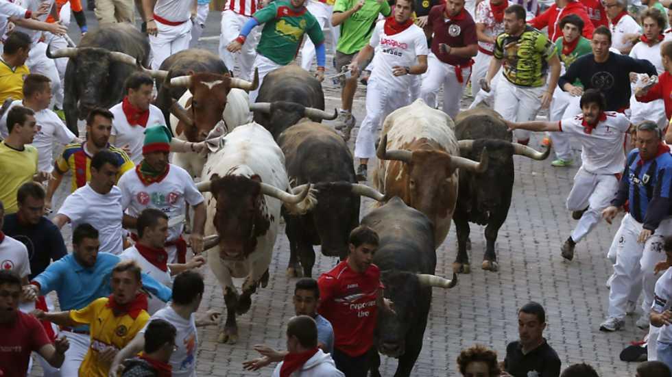 ULTIMO ENCIERRO COMPLETO  de Pamplona con Toros de Miura - SANFERMINES 2015