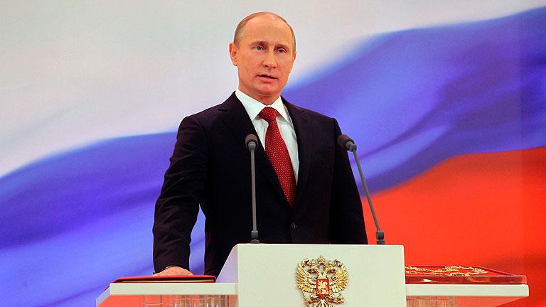 Vladimir Putin asume la presidencia de Rusia por seis años