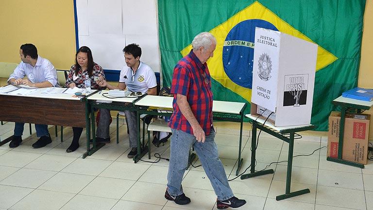 Más de 142 millones de personas votan en Brasil un nuevo presidente