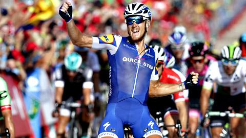 Vuelta 2017   Matteo Trentin se impone a Lobato en Tarragona