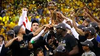 Los Warriors recuperan el anillo de campeones de la NBA