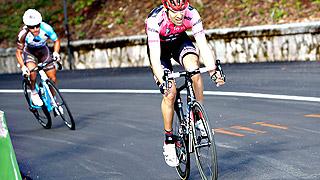 Wellems gana la primera etapa de montaña, Dumoulin sigue líder