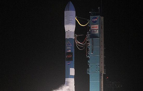 La NASA pone en órbita su observatorio WISE