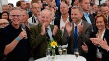 Ir al VideoEl xenófobo AfD supera por primera vez al partido de Merkel en unas elecciones en Alemania