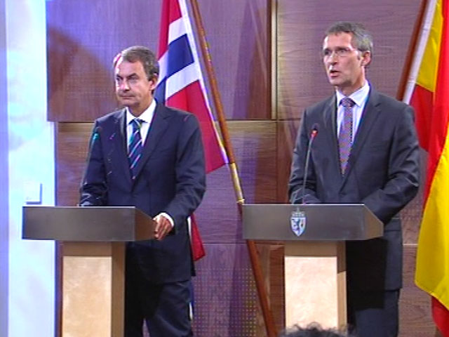 Zapatero responde por sus medidas anti-crisis