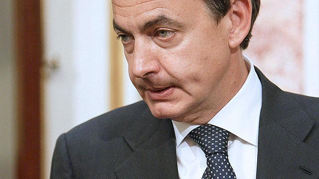 """Zapatero promete no """"regatear"""" medios en la reconstrucción de Lorca"""