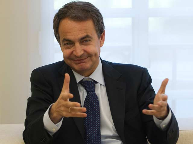 Zapatero sale en defensa de Contador
