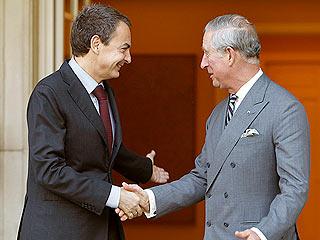 Ver vídeo  'Zapatero se reúne con el príncipe Carlos de Inglaterra en el Palacio de La Moncloa'