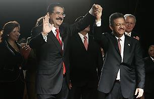 Zelaya abandona Honduras y llega a República Dominicana