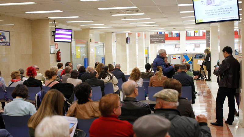 La campa a de la renta 2016 dar comienzo el 5 de abril for Oficina tributaria madrid