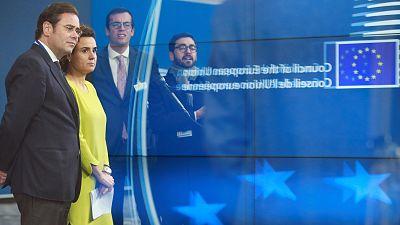 El Gobierno y Puigdemont se intercambian las culpas de la derrota de la candidatura de Barcelona