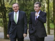 Ir a Fotogaleria Zapatero presenta el pacto por el euro a los empresarios