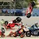 16.2006: Accidente múltiple en la primera curva del circuito en la carrera de MotoGP. Caen Sete Gibernau, Loris Capirossi y Marco Melandri.