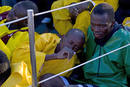 Ir a Fotogaleria Mueren 14 inmigrantes en una patera a la deriva