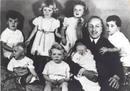Ir a Fotogaleria Esposo, padre y abuelo: la vida familiar del rey don Juan Carlos