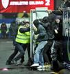 Ir a Fotogaleria Los ultras revientan el Austria de Viena - Athletic de Bilbao