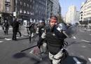 Ir a Fotogaleria Más de 100 heridos en en Belgrado en protestas homófobas
