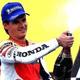 2. 1995: Alex Crivillé consigue la primera victoria española en la categoría reina en el Circuit de Cataluña.