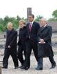 Ir a Fotogaleria Obama homenajea a las víctimas del Holocausto