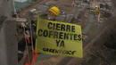 Ir a Fotogaleria Greenpeace pide el cierre de la nuclear de Cofrentes, encaramados a su torre