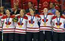 Ir a Fotogaleria Celebración de la medalla de oro del equipo canadiense