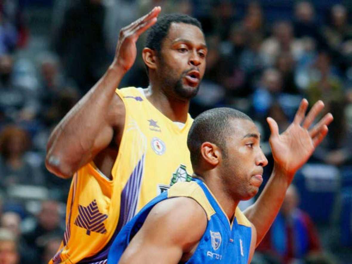 El Asefa Estudiantes cortó (77-60) la racha de victorias de la revelación de la ACB, el Blancos de Rueda.
