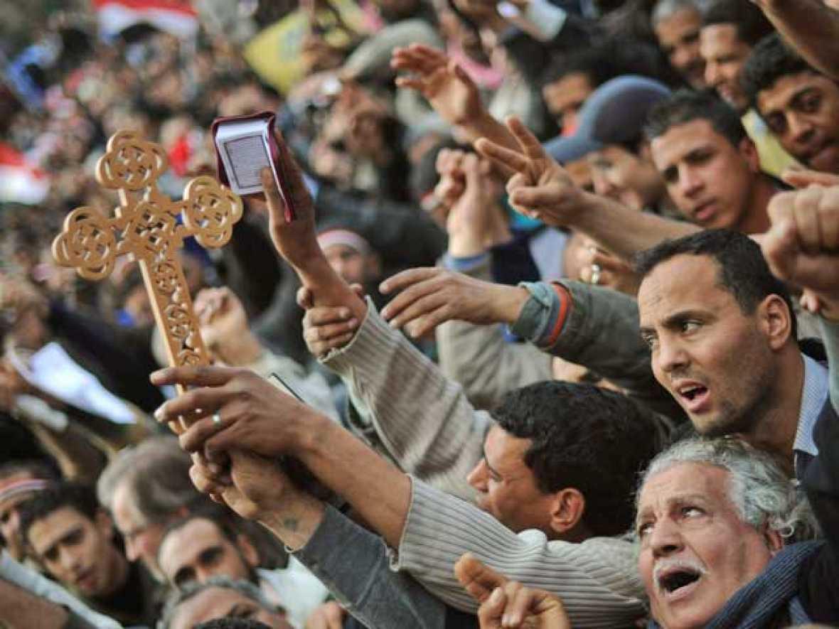 Coptos y musulmanes se unen en Egipto