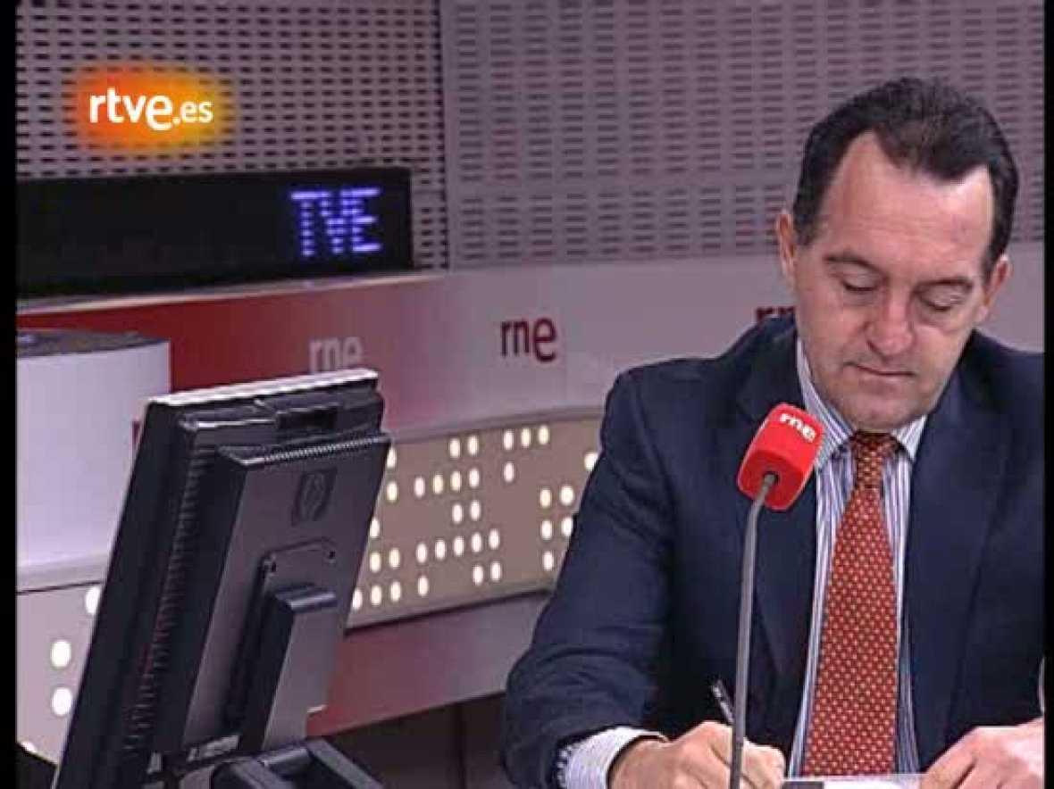 """El director de la Agencia Española de Protección de Datos ha explicado el trabajo de la entidad, donde se suman """"nuevos retos y realidades"""", entre los que destacan los de la sociedad de la información. Artemi Rallo ha sido entrevistado en el progra"""