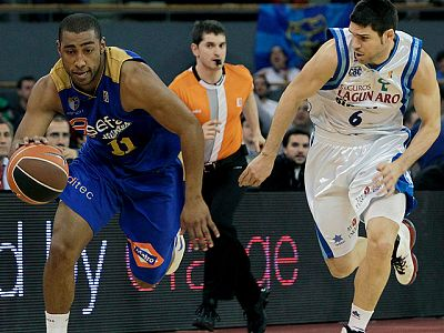 El Estudiantes se ha impuesto al Lagun Aro en un duelo directo en la zona media de la tabla de la Liga ACB.