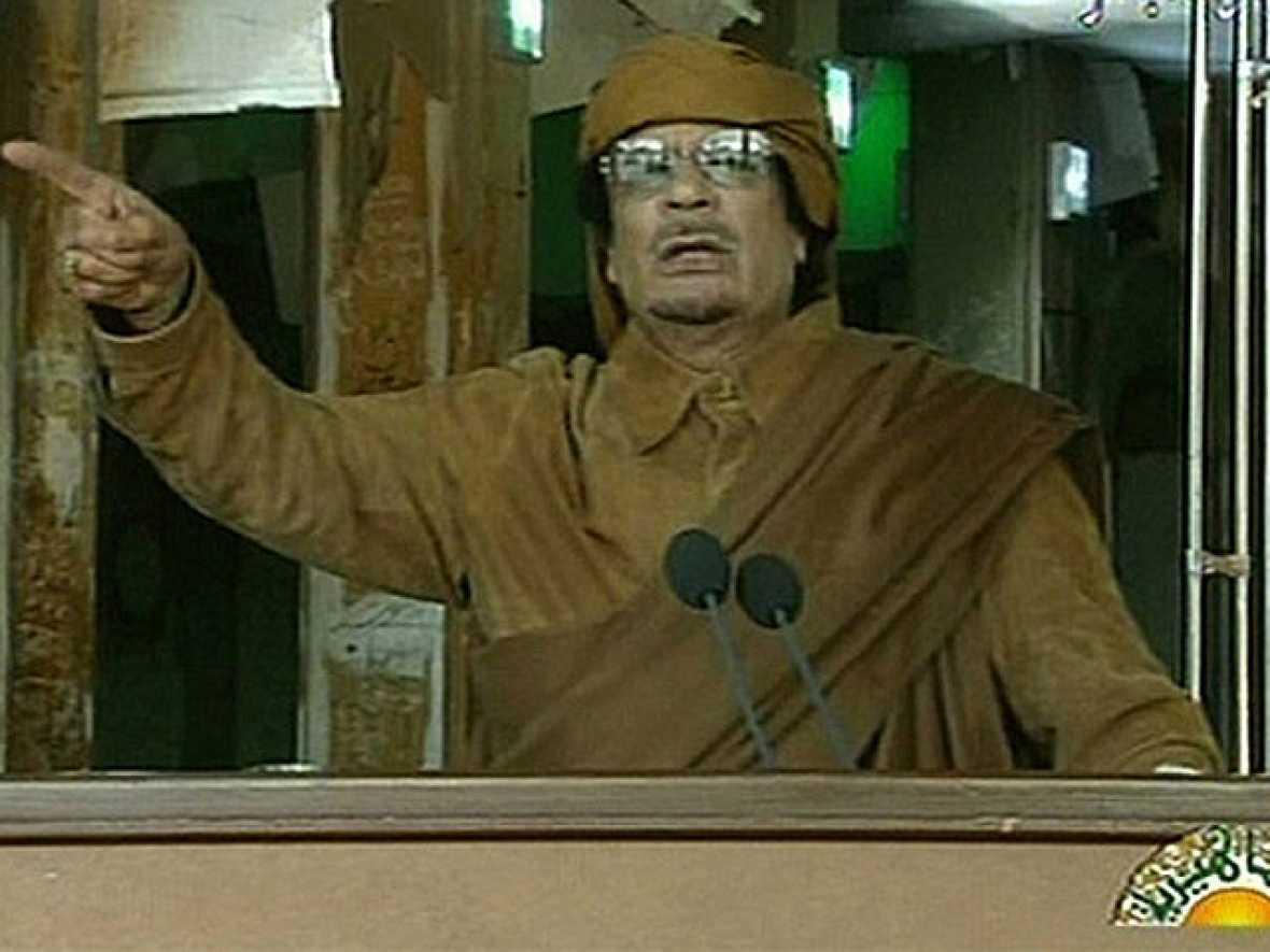 Gadafi dice que no cederá y que la situación puede ser una carnicería