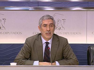 PP e IU acusan al Gobierno de improvisación en las medidas de ahorro