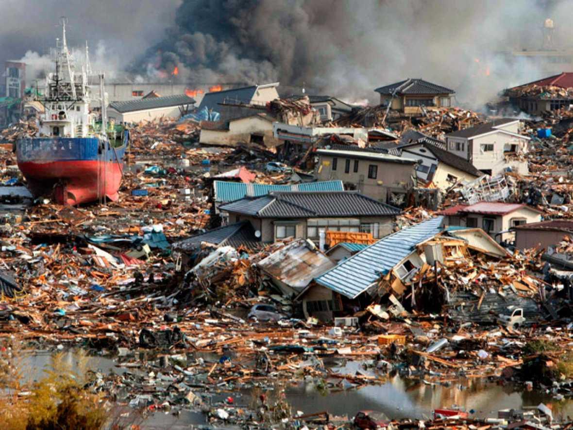 Cientos de personas han muerto en Japón tras un devastador terremoto de magnitud 8.8