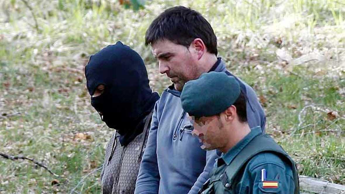 Aitor Esnaola, uno de los detenidos el martes, lleva a la Guardia Civil a cinco zulos con más de mil kilos de explosivos