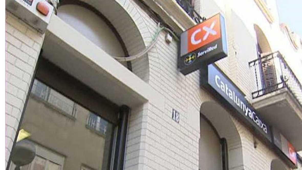 El Banco de España ha dado luz verde a las estrategias planteadas por los bancos y cajas que no superan las nuevas exigencias de solvencia. Son nueve planes de cajas de ahorros, cuatro de ellas barajan como primera opción salir a Bolsa