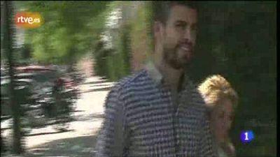 El programa 'Corazón' de TVE ha sido testigo del reencuentro de la cantante Shakira y el futbolista del Barcelona Piqué tras el clásico del Bernabéu y antes de que el barcelonista vuelva a concentrarse para la final de la Copa del Rey contra el Real