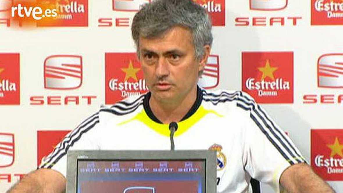 """El entrenador del Real Madrid Jose Mourinho ha asegurado que en la Copa no hay favoritos y, además, respecto a las palabras de Di Stéfano, ha aesgurado que él no es """"nadie"""" en la historia del Madrid pero que es """"el entrenador, solo el entrenador""""."""