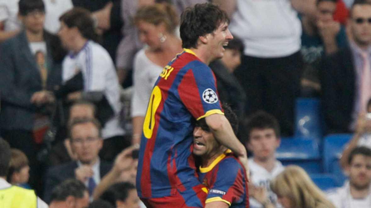 El FC Barcelona se acerca al mítico Wembley tras vencer 0-2 al Real Madrid en el Santiago Bernabéu, con goles del  argentino Leo Messi, el sexto consecutivo en su visita al coliseo  blanco.
