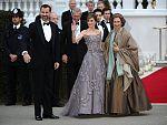 Los Príncipes de Asturias y la reina asisten a la cena de gala previa a la boda de Guillermo y Kate