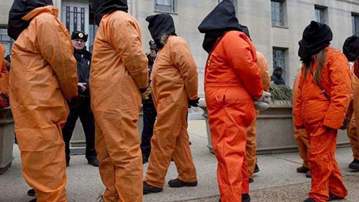 El director de la CIA, Leon Panetta, ha reconocido que Osama Bin Laden no estaba armado en el momento del asalto, pero que a pesar de ello los militares tenían autorización para matarlo. Además, ha reconocido que las técnicas de asfixia simulada prop