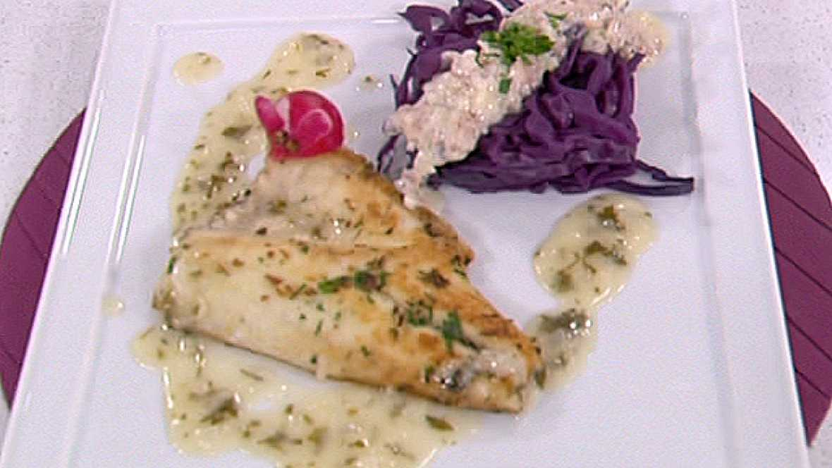 Dorada crujiente con lombarda y salsa de yogur 09 05 11 for Cocinar lombarda